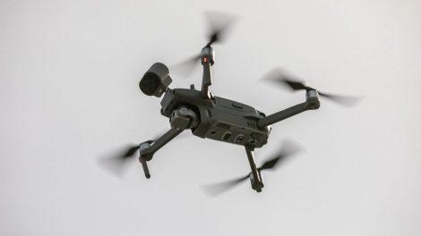 Vilniuje karantino priežiūrai į dangų pakelti dronai