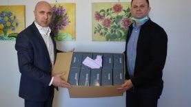 Rotary klubas Varėnos medikams padovanojo tūkstantį medicininių kaukių