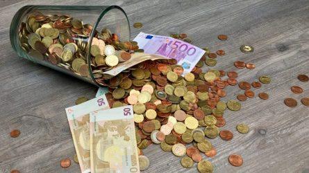 Sukūrę pramaną apie netikrus pinigus, sukčiai išviliojo senolių santaupas
