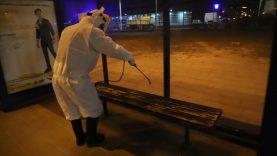 Dezinfekuojamos autobusų stotelės