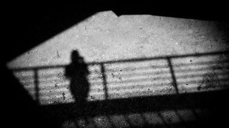 Vyrų, kaltinamų prekyba žmonėmis, laukia teismas