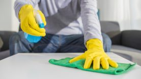 Leidimai tiekti rinkai paviršių dezinfekantus bus išduodami greičiau
