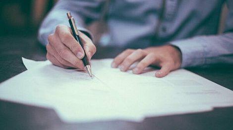 Dėmesys Skuodo rajono vietinės reikšmės kelių ir gatvių būklei – pasirašytos 5 rangos darbų sutartys