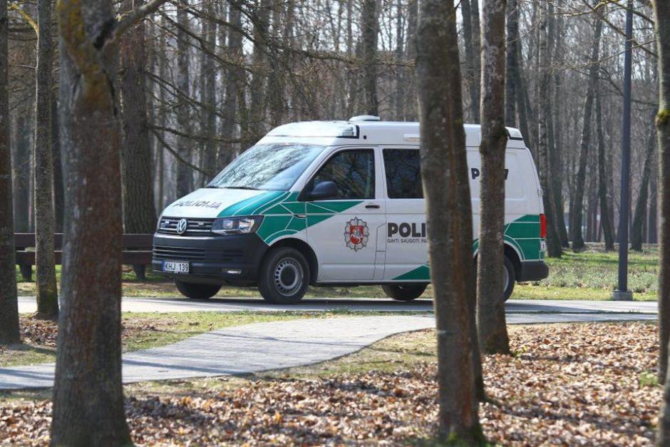 Velykų savaitgalį policija ragina likti namuose, priverstiems keliauti – atsižvelgti į patarimus