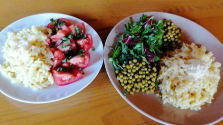 Išdalinti maisto daviniai nepasiturinčių šeimų vaikams