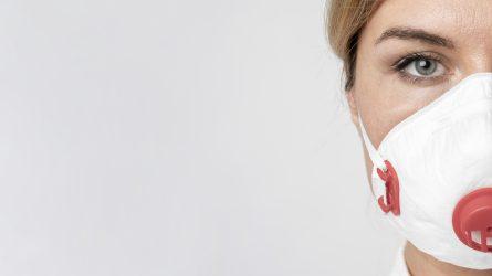 Sveikatos priežiūros specialistai profilaktiškai turėtų būti tiriami kartą per 7 dienas