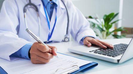 Medikai turės deklaruoti, kokiose gydymo įstaigose dirba