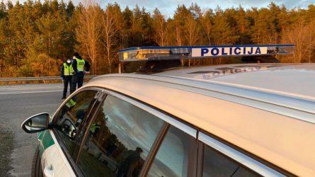 Nemenčinėje dirba sustiprintos policijos pareigūnų pajėgos
