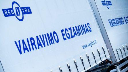 """""""Regitra"""" palaipsniui atnaujina vairuotojų egzaminavimą"""