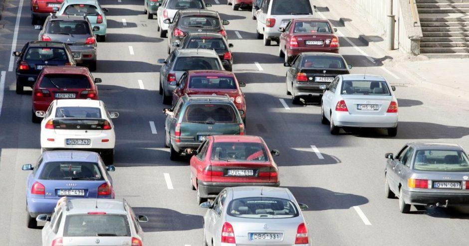 Apskaita rodo, kad daugiausia šiltnamio dujų išmetė transporto sektorius