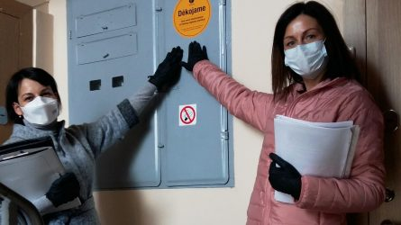 Toliau vykdomi miesto daugiabučių namų laiptinių švaros patikrinimai
