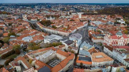 Vilnius virs dideliu restoranu: 150 lauko kavinių prašymų per dieną