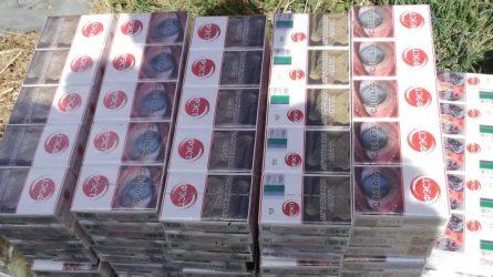 Anykščių rajone rastos dėžėse ir plastikinėse statinėse slėptos kontrabandinės cigaretės