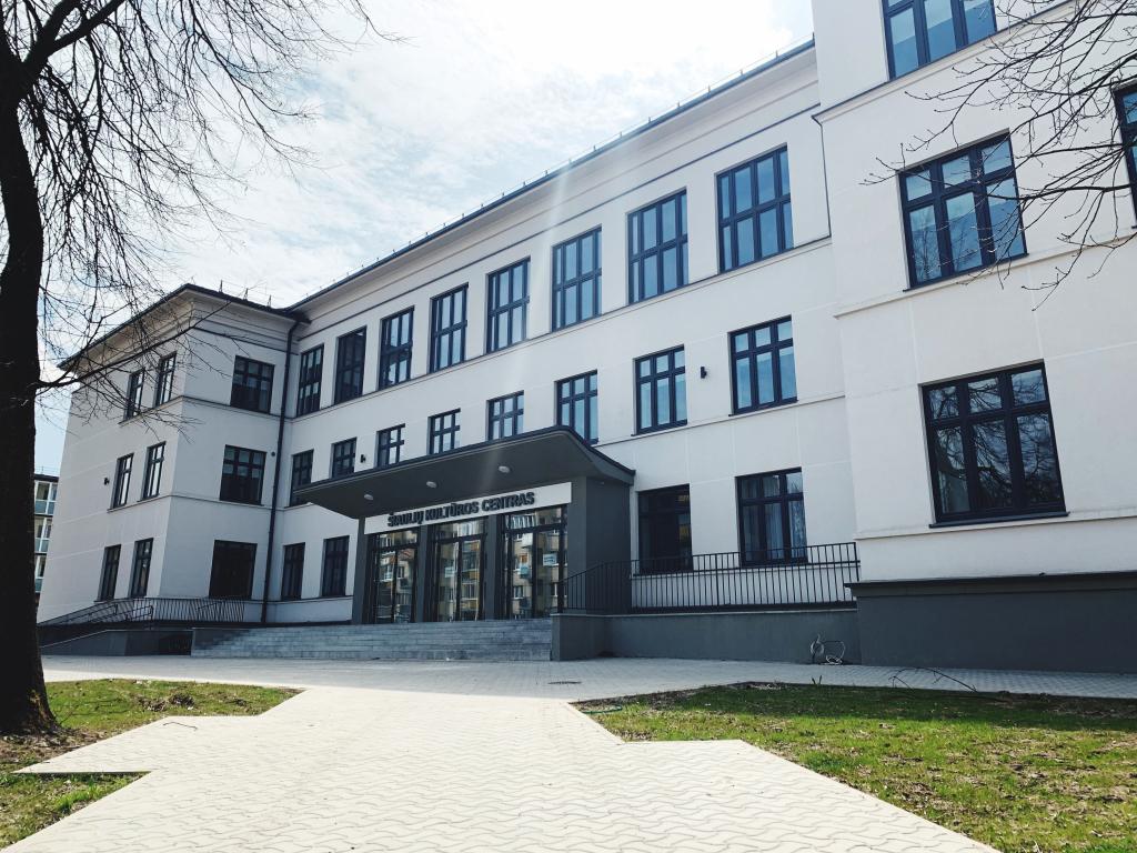 renovacija-baigta:-siauliu-kulturos-centras-duris-atvers-atsinaujines-ir-modernus