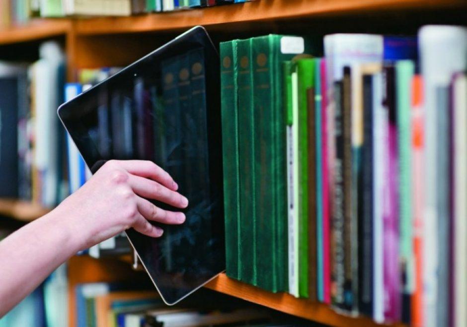 Mokiniams iš socialiai jautrių šeimų – dar 5 tūkst. kompiuterių