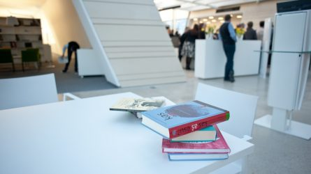 Mokyklos dalijasi patirtimi apie nuotolinę lietuvių kalbos ir literatūros įskaitą