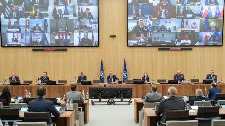 """R. Karoblis NATO gynybos ministrams: """"Solidarumas ir vienybė – geriausias atsakas bet kokiai krizei"""""""