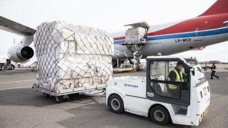 Dar vienas Krašto apsaugos ministerijos ir Lietuvos kariuomenės užsakytas orlaivis su medicininių apsaugos priemonių kroviniu