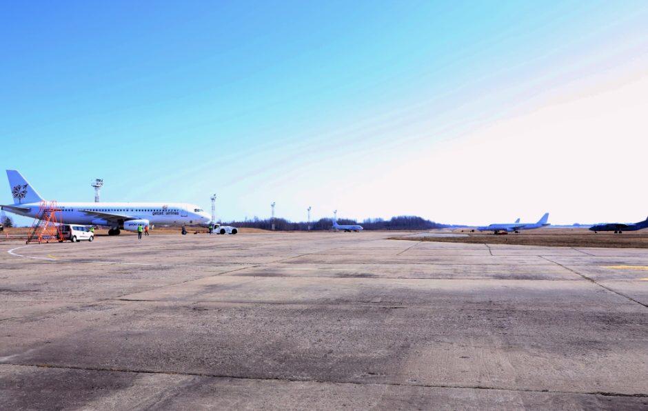 Vyriausybė nusprendė leisti civilinėms reikmėms išnuomoti dalį Šiaulių karinio aerodromo