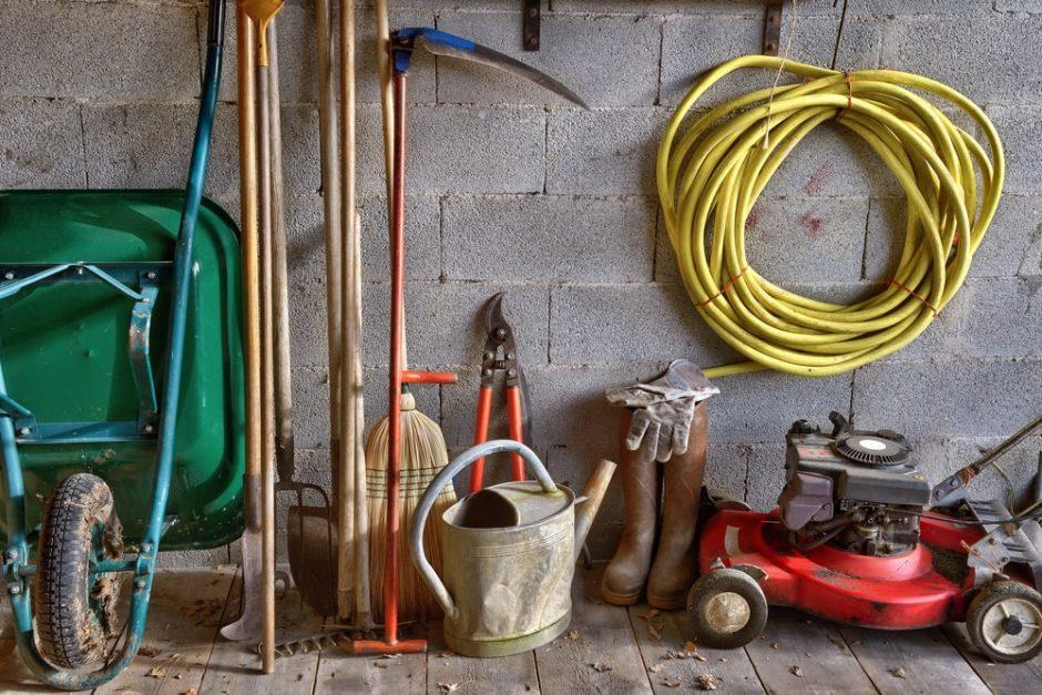 Kaip sandėliuoti sodo įrankius ir įrenginius?