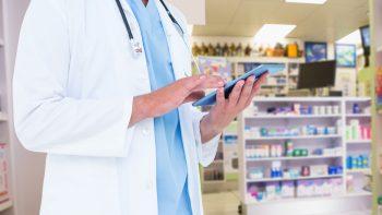 Savaitgalį kviečiami prevenciškai tirtis vaistinių ir prekybos vietų darbuotojai, taip pat darželių darbuotojai