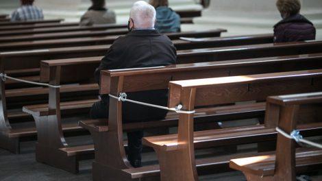 Dvasininkai: žmonės buvo išsiilgę sekmadienio mišių