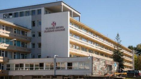Asmens sveikatos priežiūros įstaigų darbuotojams – prioritetas dėl COVID-19 tyrimų