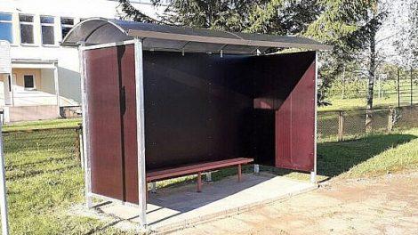 Šliktinės kaime pastatytas autobusų laukimo stotelės paviljonas