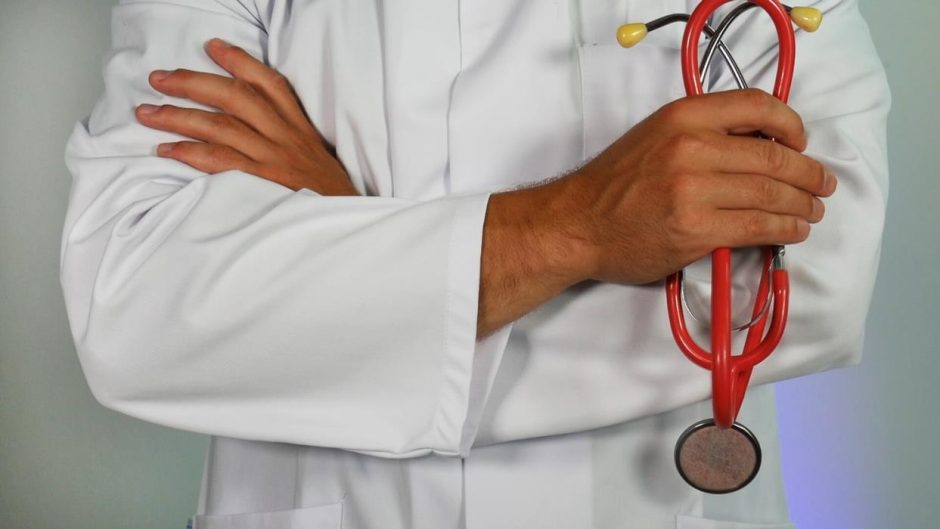 Ministre, ar plosime medikams visi kartu?