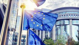 Euro grupėje – diskusijos dėl ekonomikos gaivinimo priemonių