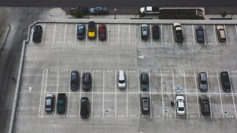 2020 m. balandį Lietuvos naudotų lengvųjų automobilių rinka smuko beveik 60%