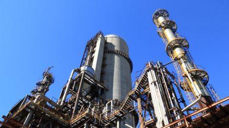 Kiek kainuotų litras degalų, jei nafta atpigtų iki nulio?
