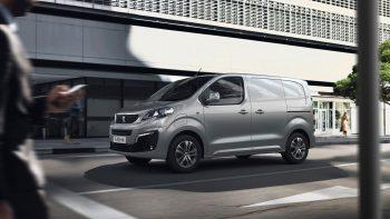 """""""Peugeot"""" pristato elektrinį 330 km viena įkrova galintį nuvažiuoti """"e-Expert"""""""