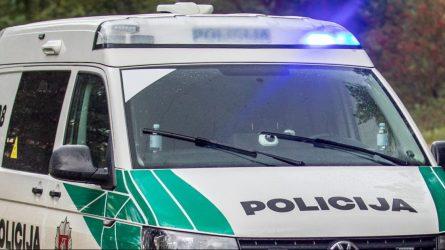 Padėka dviem Kretingos rajono patruliams, pavogtus daiktus suradusiems anksčiau, nei jų pasigedo savininkas