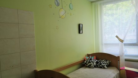 Socialinių paslaugų centro erdves puošia spalvingi piešiniai