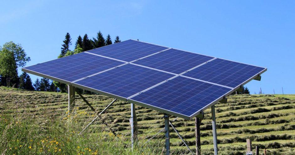 Visagine – du saulės elektrinių parkai