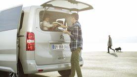 Kriterijai automobilio interjerui įrengti – tarsi namų svetainei