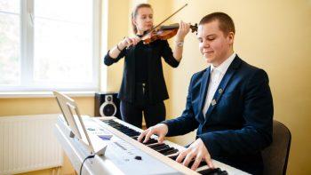 Nustatyta vieninga tvarka priimant mokinius į ministerijai pavaldžias menų mokyklas
