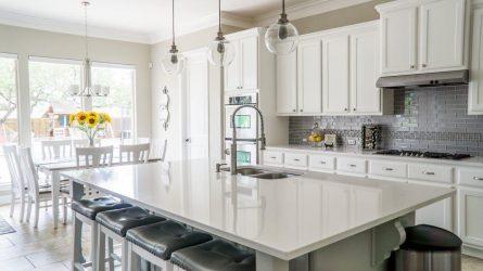 Virtuvės baldai. Kokie jie turi būti?