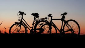 Kodėl jūsų šeima turėtų  kuo daugiau važinėti dviračiais bei paspirtukais?