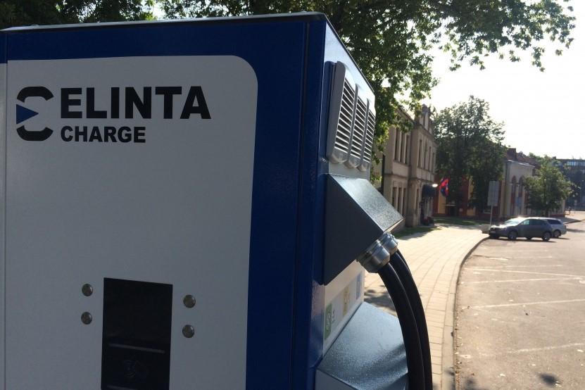Panevėžyje – dar 10 elektromobilių įkrovos stotelių