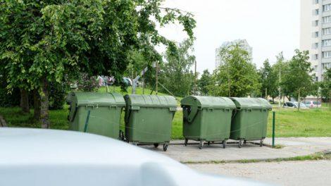 Atliekas – tik į naujus konteinerius, senieji palaipsniui išvežami