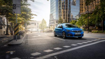 """""""Peugeot"""" atnaujino 308 modelio dizainą ir įdiegė daugiau technologijų"""
