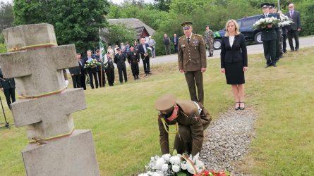 Vidaus reikalų ministrė pagerbė okupacijos metais žuvusio pasieniečio A. Barausko  atminimą
