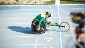 Paralimpietis K. Skučas lietuvišką olimpinę mylią šturmuos lenktyniniu vežimėliu