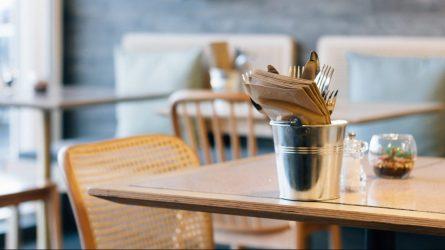 Kavinių, restoranų, barų darbo laikas jau neribojamas