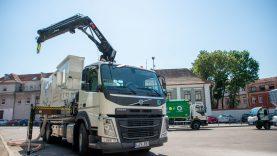 Daugiau švaros mieste: į Kauno gatves išrieda pirmoji Baltijos šalyse konteinerių valymo mašina