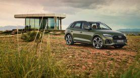 """""""Audi"""" pristatė atnaujintą """"Q5"""" su pirmą kartą pasaulyje debiutuojančia OLED šviesų technologija"""