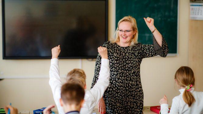 Seimas priėmė įstatymų pataisas, leidžiančias greičiau paskirti mokyklų vadovus
