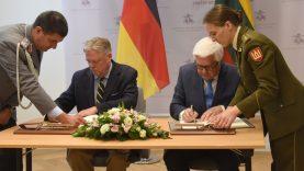 Toliau stiprinamas Lietuvos ir Vokietijos bendradarbiavimas: pasirašytas susitarimas dėl karių buvimo viena kitos teritorijoje